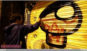 EL Xupet Negre pinta la calle